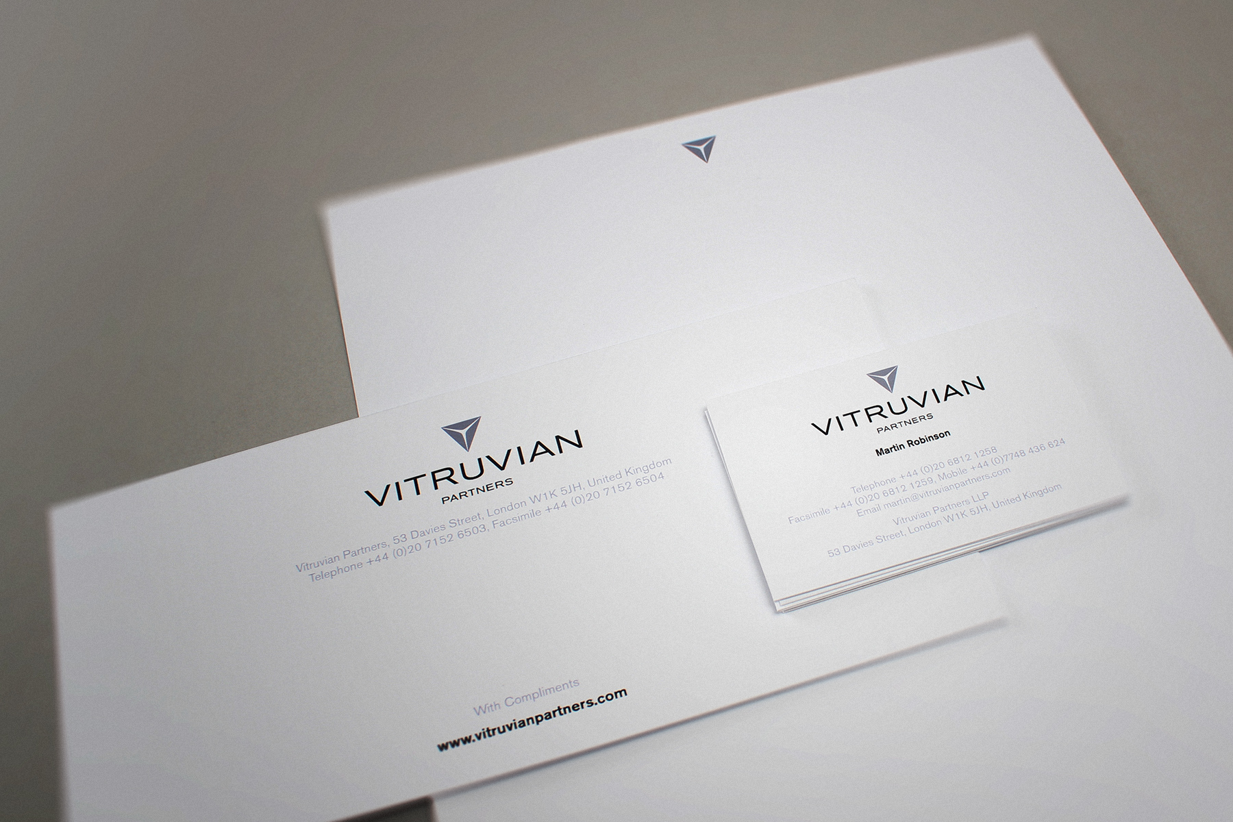 The business stationery relies on subtle effect rather than strong visuals.